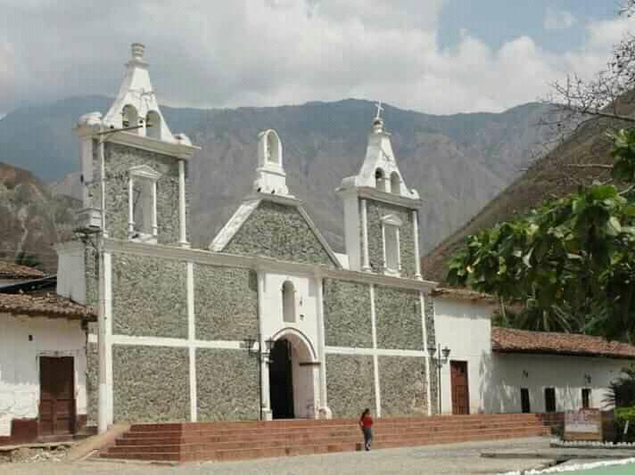 Iglesia de la Inmaculada Concepción de Cepitá-Santander